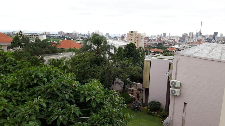 Fresh whole apartment close to Musgrave Center - Berea - Huoneisto