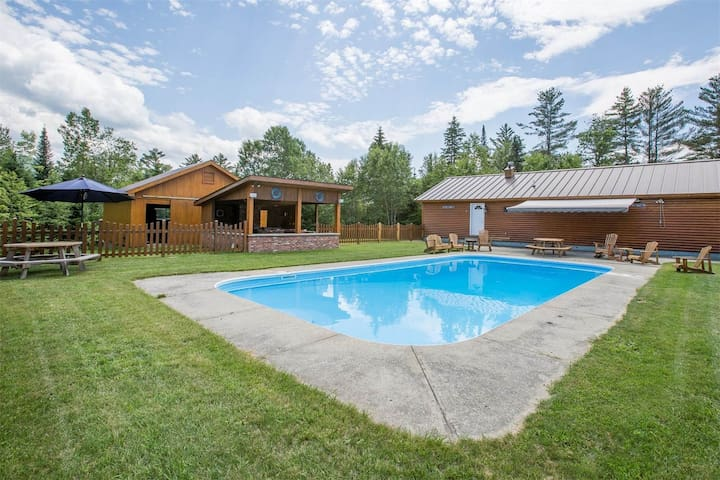 Family Compound  Pool house - Burke