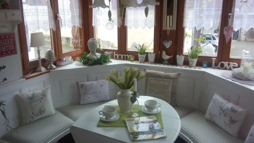 Ferienwohnung 85 qm für 6 Personen möglich - Heitersheim - Appartement en résidence