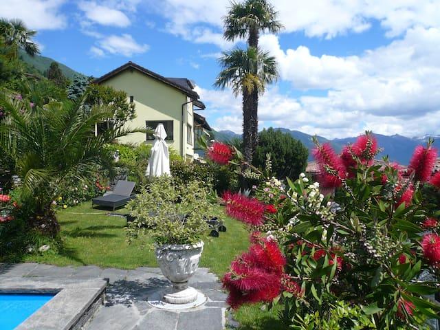 Wohnen mit Blick auf  Lago Maggiore - Brissago - Hus
