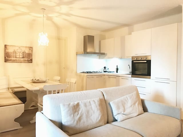 Renovated 2 Bed Appartment in Montecampione - Montecampione - Daire