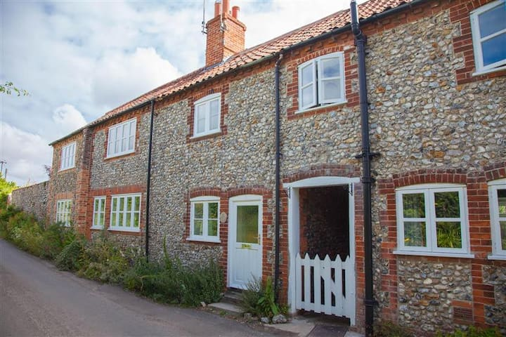 Poppy Cottage, Great Walsingham, Norfolk - Norfolk - Maison