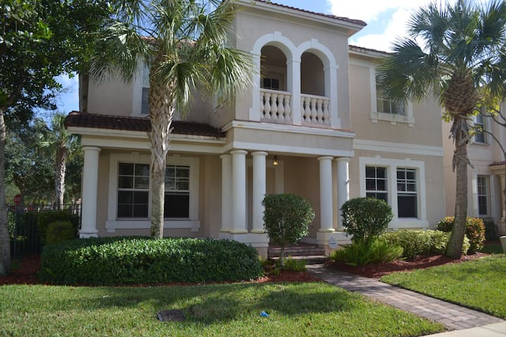 4 Bedroom 2 Story Full House in Palm Beach Gardens - Palm Beach Gardens - Ev
