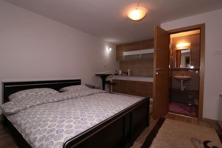 Vremeplov studio apartman - Travnik - Apartament