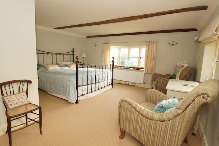 52 acre farm with double room and pool - East Sussex - Hus