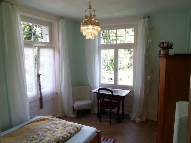 wonderful room, beautiful house - Thun - House