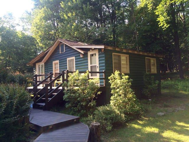 Sunny sanctuary in the heart of Smallwood - Smallwood - Houten huisje