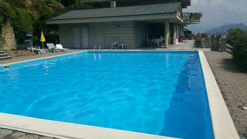Bilocale in villa con piscina. - Gandosso - Appartement