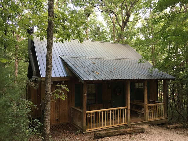 """Deer Tracks"" - Private, Luxury Dog-Friendly Cabin - Sautee Nacoochee - Houten huisje"