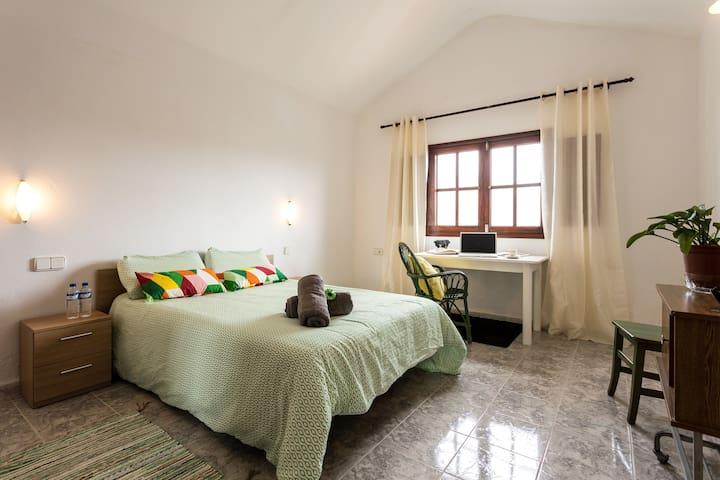 ROOM 1 & op BREAKFAST-Casa del VOLCAN Lanzarote - Tinajo - Ev