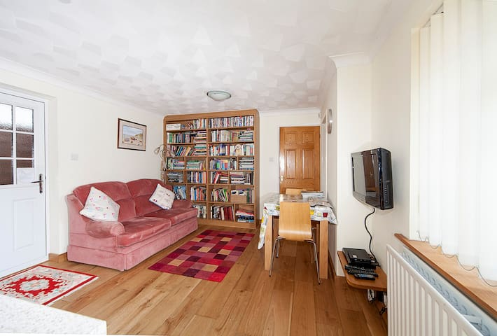 17mins from London, sleep 3, cheap - Istead Rise - Apartemen
