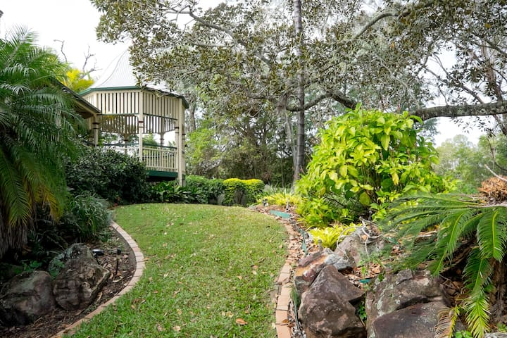 Sunny Riverfront Retreat 12km CBD - Fig Tree Pocket - Daire