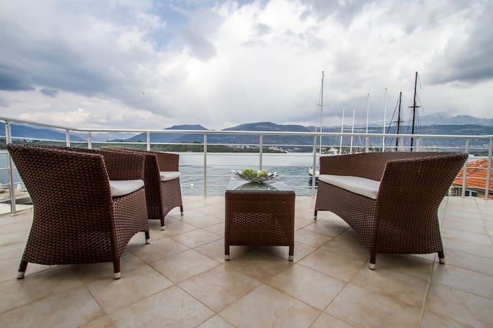 Apartment Tamaris with balcony - Тиват