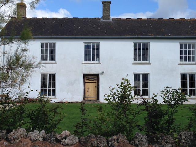 Ensuite room in old farmhouse - Kingston Saint Mary - Bed & Breakfast
