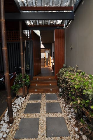 Resort style home with Yoga studio and sauna. - 布賴頓 - 其它