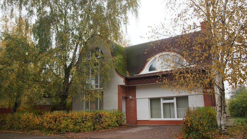 Unique stylish house & pond / Уютный дом c прудом - RU - Hus