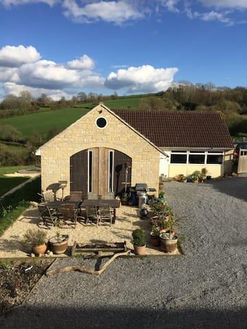 Peaceful & Private Converted Barn - Glastonbury