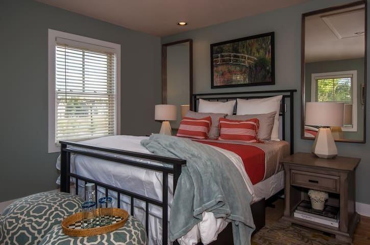 Charming Private Carriage House in Prospect - Longmont