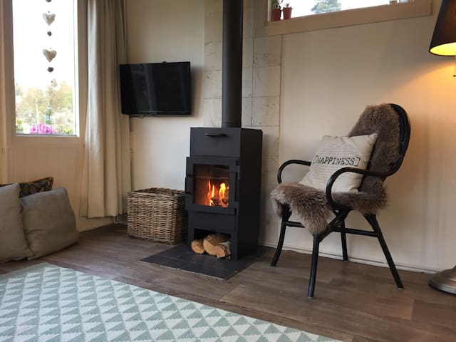 Cosy wooden cottage on National Park the Veluwe - Ermelo