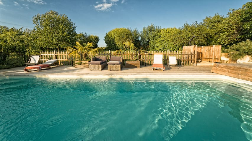 Stone house - heated pool June / September - Saint-Jean-de-Blaignac - Casa