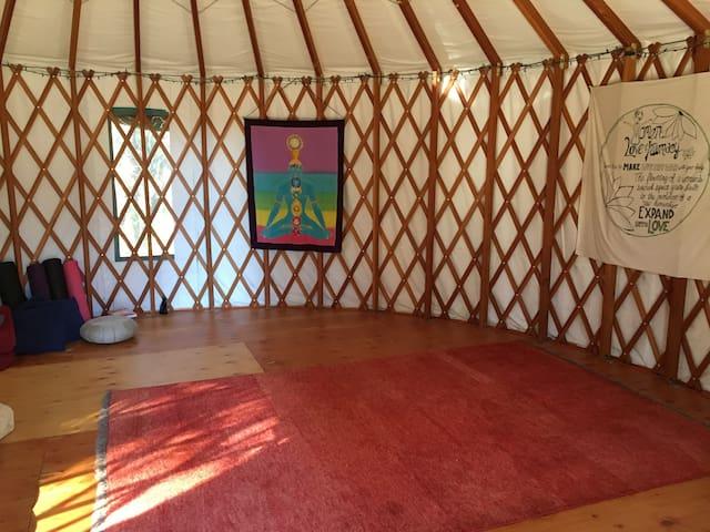 Earth Castle's Yurt - Grass Valley - Iurta