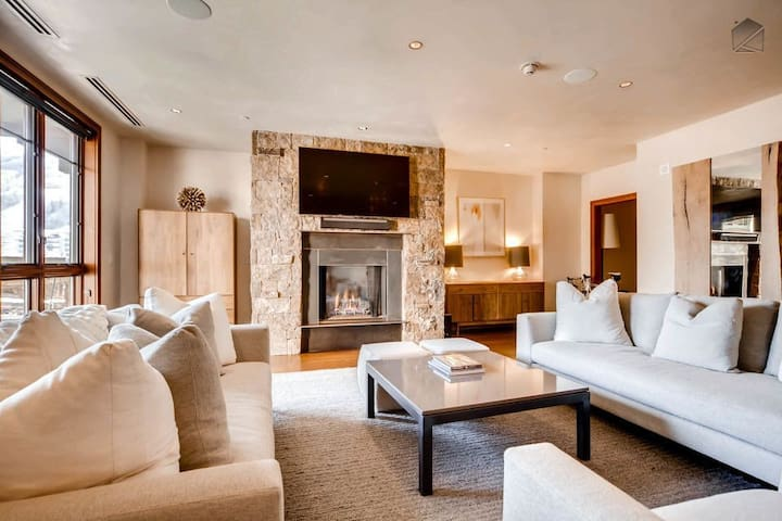 Luxurious Getaway in the Heart of Vail Village - Vail