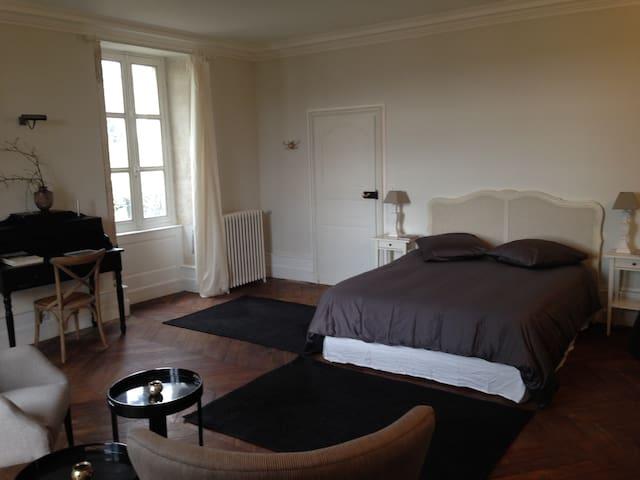 B&B au Bois Joli chambre 2 - Semur-en-Auxois - Bed & Breakfast
