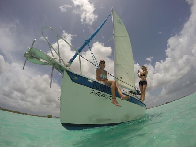 Beautiful boat , amazing sunrises, best locations - Bacalar