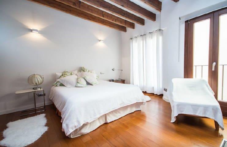 Luxury Loft with terrace in old town Palma city - Palma - Loteng Studio