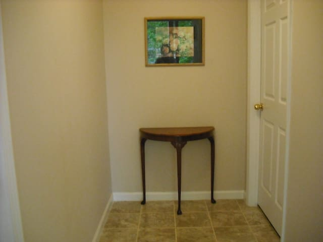 """Private in home Apartment- """"Home away from home"""" - Jonesboro - Bed & Breakfast"""