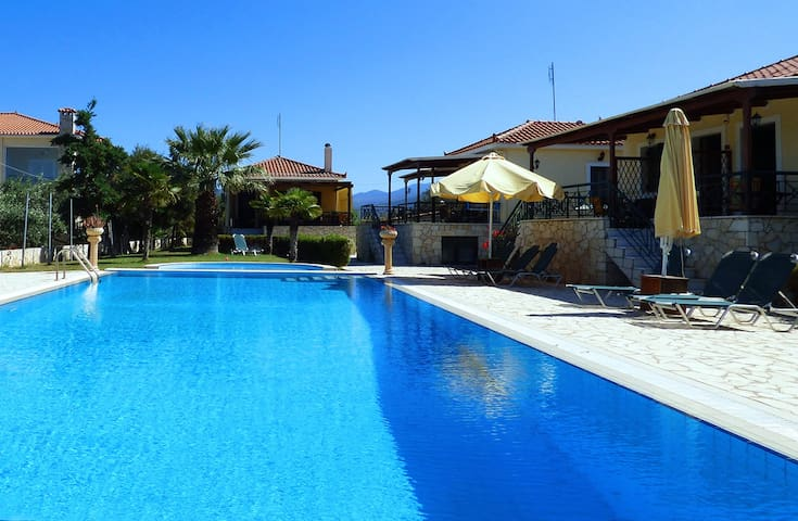 Pool,bbq and beach in walking distance - Paralio Astros - Lägenhet