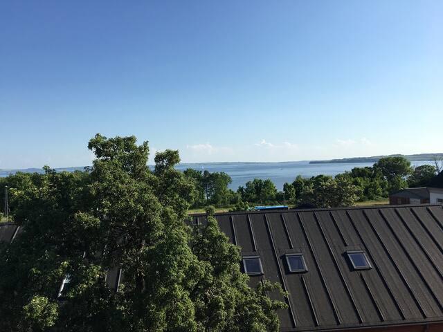 3 vær øverst - terrasse - fjordudsigt - Thisted - Leilighet