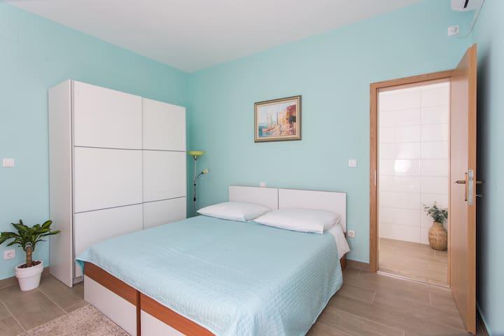 Apartments Svaguša - Blue Room w swimming pool - Mlini - Huoneisto