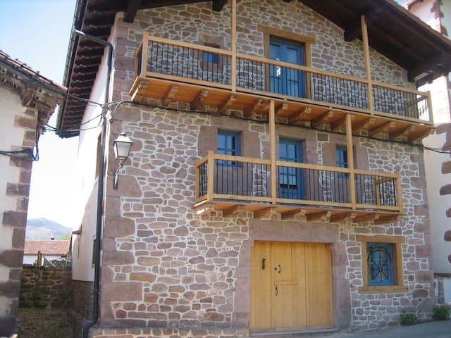 Casa tradicional en Bozate-Valle de Baztán - Bozate - Casa