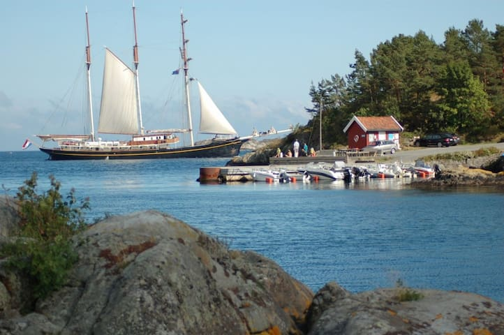 Tranquil seaside house, Holmesund, Arendal - Staubø - Ev