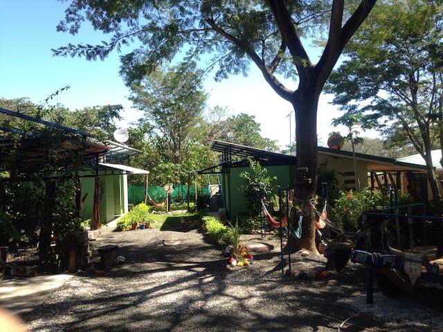 Cabinas Vacacionales El Guanacaste - Sardinal - Дом