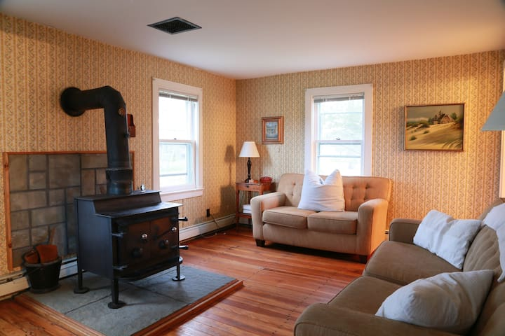 Cozy Hudson Valley Farmhouse - Akkord - Hus