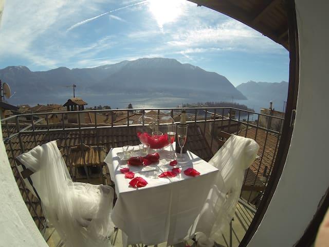 la casa di zia Lella - Lago di Como - Ossuccio - Hus