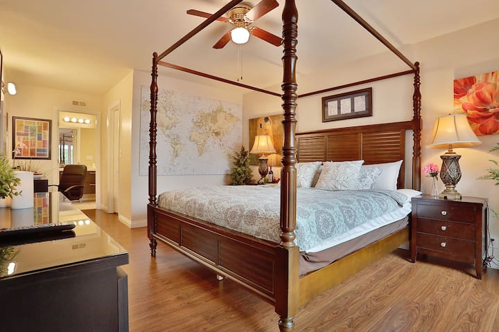 Luxury Gorgeous master bedroom private bath - Diamond Bar