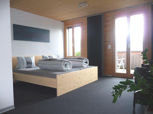 Alphotel Eiger B&B Beatenberg - Beatenberg - Bed & Breakfast