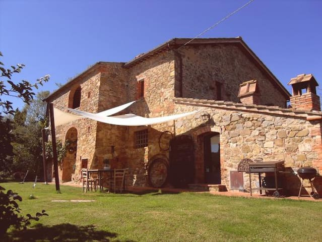 Restored stone built country house with pool - Farnetella - Casa