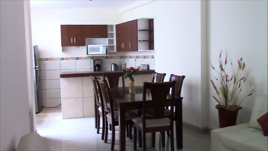 Nice Modern Duplex Well Located - Trujillo - Appartement