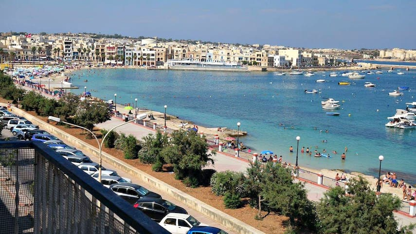 Spacious Seafront Apartment - Perfect Location! - Birżebbuġa - Daire