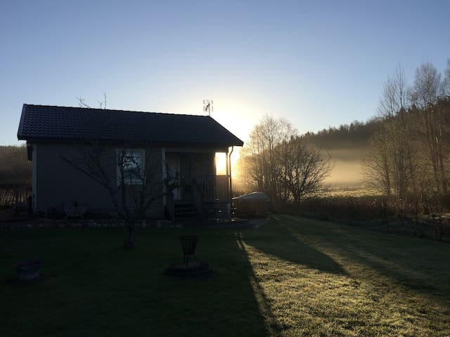 Peaceful family B&B close to the ocean & forest - Svineviken - Bed & Breakfast