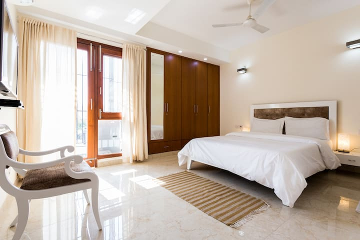 Beautiful room with Fresh & Healthy Breakfast - New Delhi - Apartemen