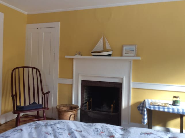 Large room in Historic home. - Dover