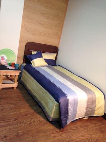 歡迎出差及單獨旅行的朋友!乾淨、舒適、安靜!每晚只需600元 - 頭份鎮 - Apartamento