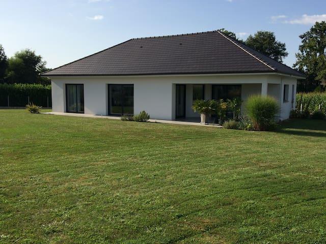 Maison T4 village calme à 20 minutes de PAU - Sauvagnon - Ev