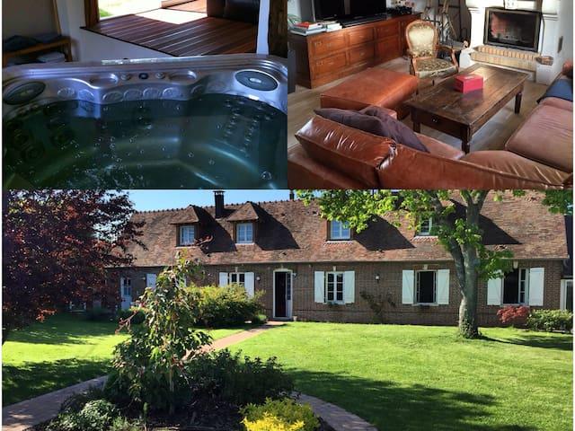Old Farm in Normandy close to Paris. 3BR - Les Ventes