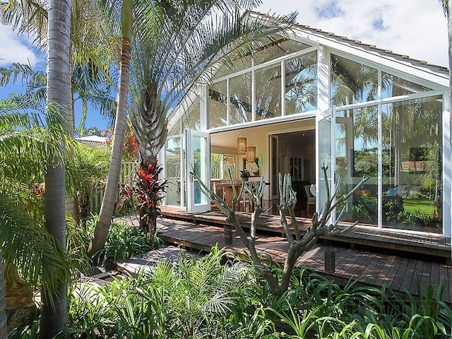 Designer 3 Bed House in a Hidden Tropical Paradise - Maylands - Domek parterowy